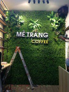 Tường cây giả ở quận Gò Vấp phù hợp cho việc mở quán café